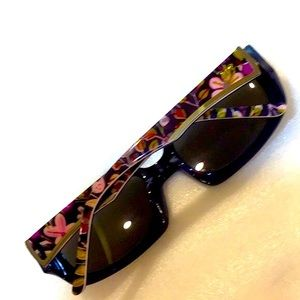 Vera Bradley polarized sunglasses perfect cond.